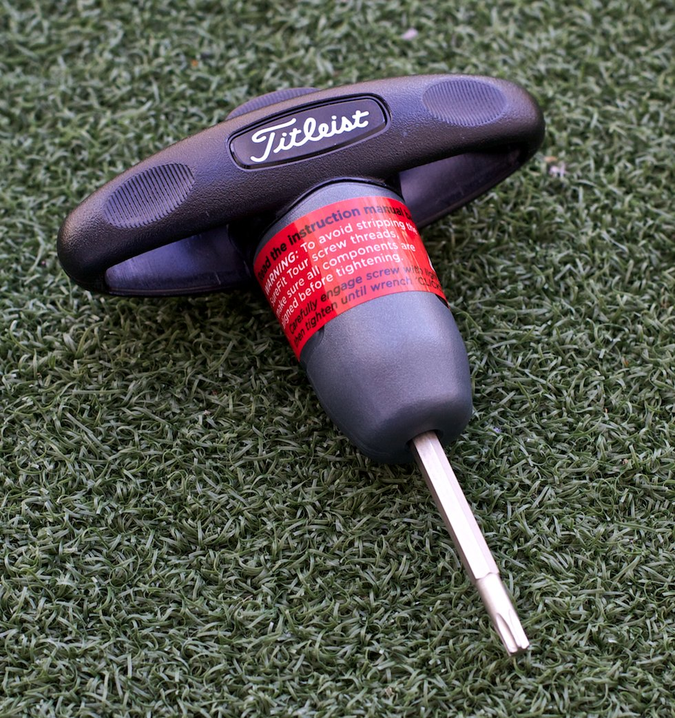 titleist_913_drivers_wrench.jpg