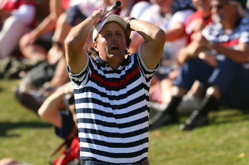 Phil Mickelson expresses disappointment during the singles match of the 2012 Ryder Cup