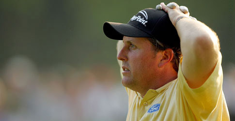 Mickelson holding head in deafeat