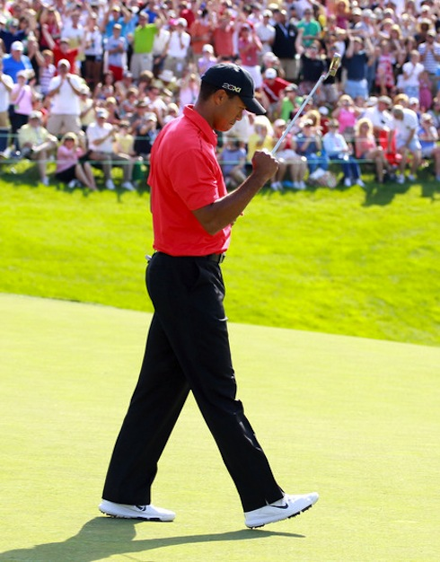 Tiger Woods 2012 Memorial Fist Pump