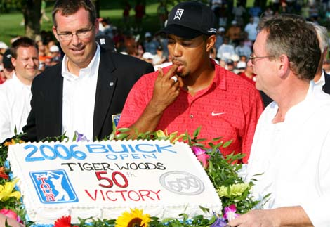 Tiger Woods and 50-Win Cake