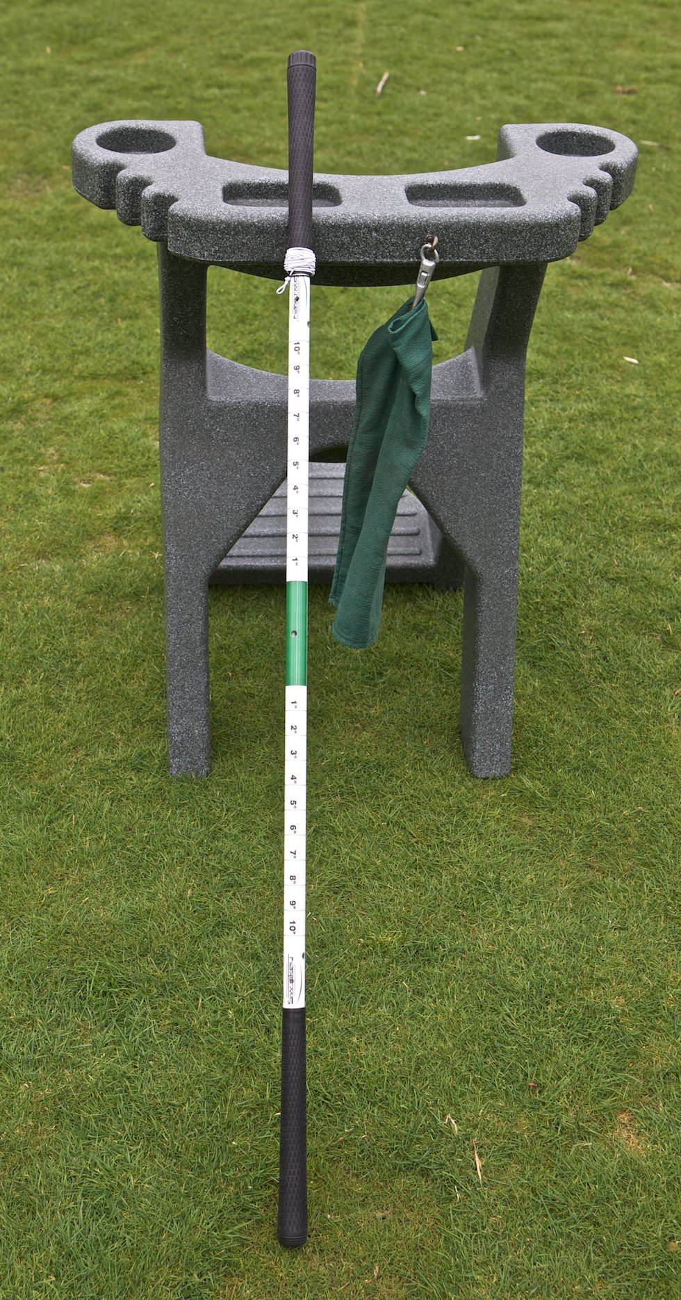 Swinkey Against Stand