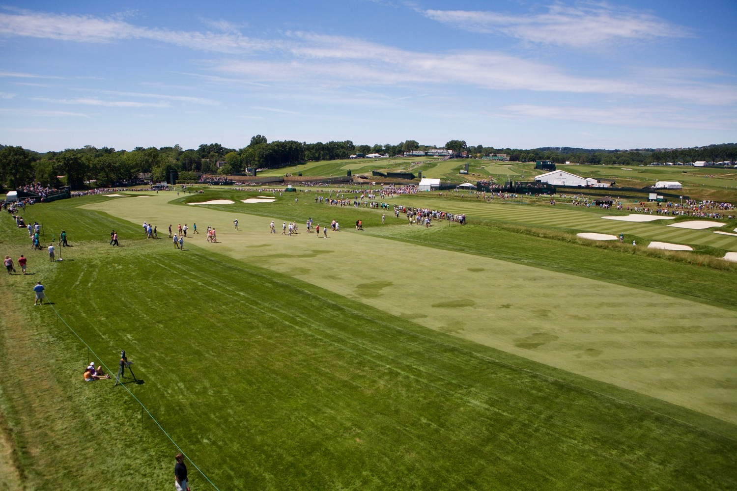 A Wide Look at Oakmont from the 4th