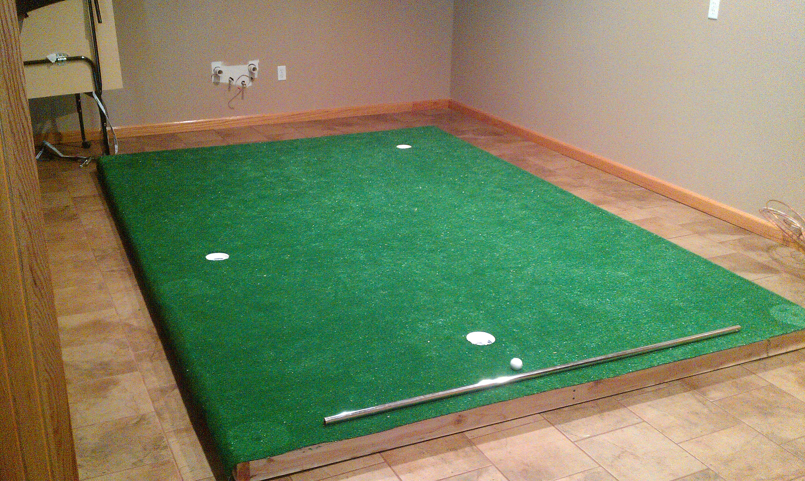Built an indoor putting green - Golf Talk - The Sand Trap .com